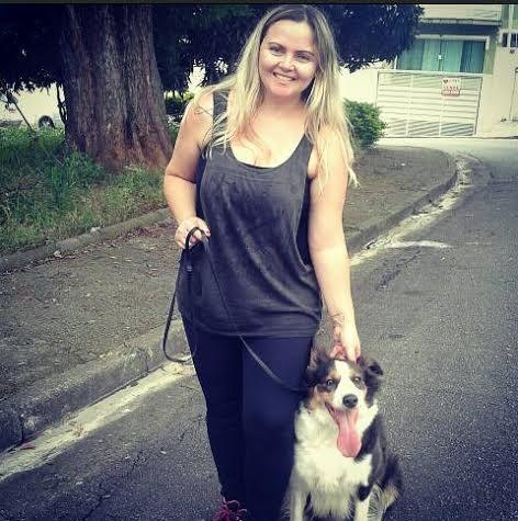 Luciana é Dog Walker na zona norte de SP